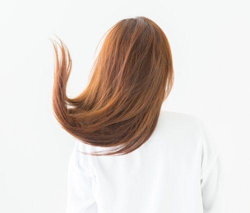 サラサラな女性の髪の画像